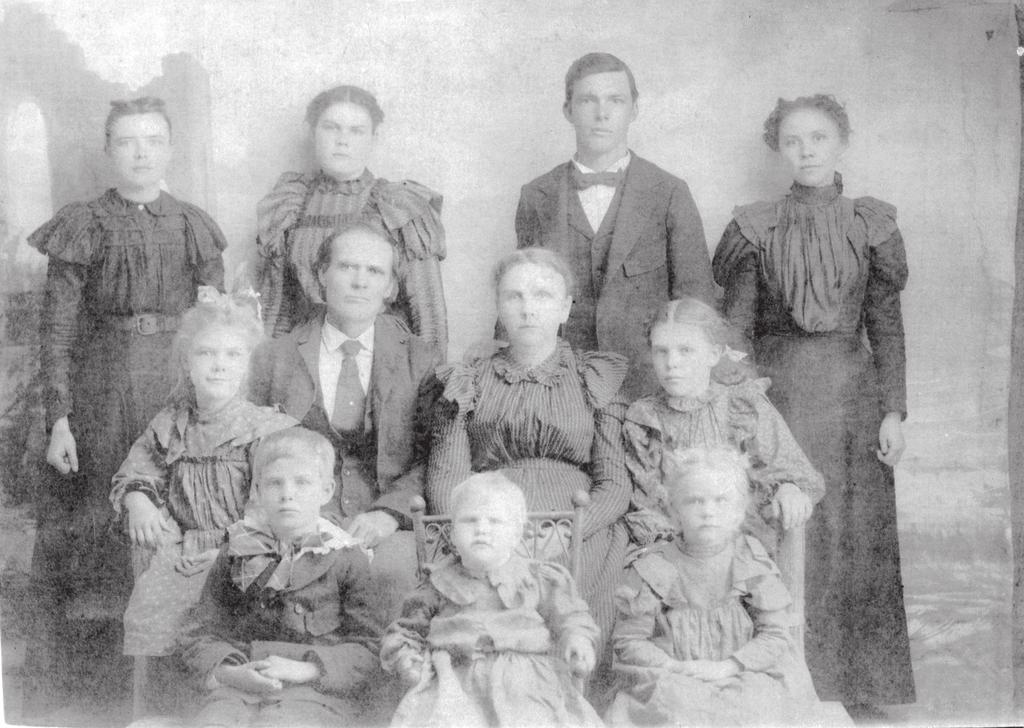 WILLIAM HENRY THOMPSON & FAMILY: Year 1899 or 1900 the family traveled to San Antonio by wagon from Jollyville to have the photo taken.