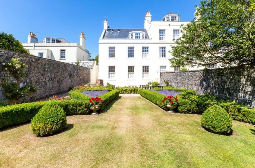 The Grange, St Peter Port To Let At: