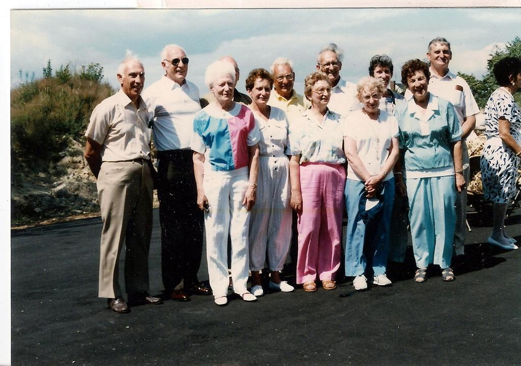 1988 PHOTO FAMILY OF