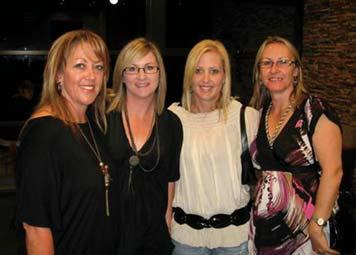 Women s Football Foundation Diana Taylor Chairperson L-R: Karen Kitchen, Kylie Buckingham, Mandi Reardon, Lisa Vann Four years ago, the WRFL Women s Football Foundation was launched by the Western