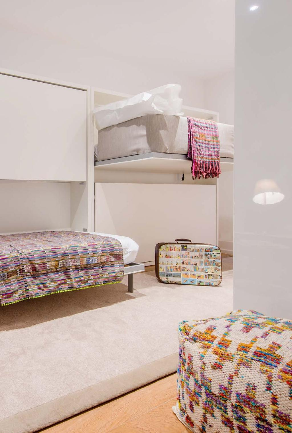 SUPERIOR DELUXE STUDIO with bunkbed In addition to the double bed, the 2 Superior Deluxe Studios offer a stylish bunkbed for children as well as an open