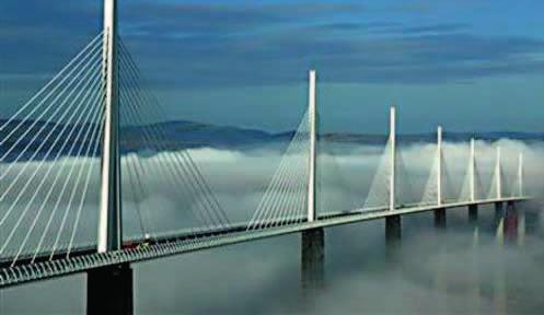 88 88 MILLAU VIADUCT Location: Millau, France Architects: Foster + Partners Associate Architects:
