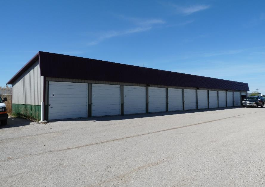 BUILDING 1 SIZE & RENT ROLL DETAILED FEATURES Units Built Size Exterior Interior Paved Electrical Security