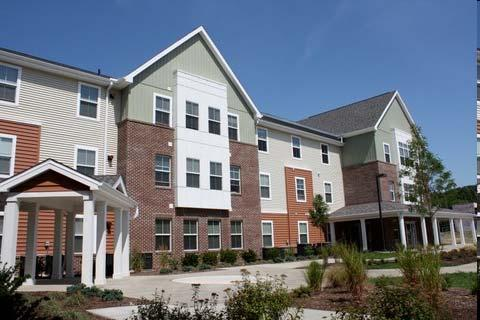 Case 3: Cornerstone Senior Apartments Cleveland, OH LEED for Homes Gold 50 unit affordable housing 31% more efficient than standard construction Water efficient plumbing fixtures reduce water by