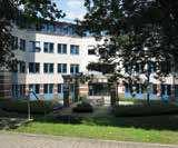 LARGE PROPERTIES IN VARIOUS SUB-MARKETS 1 Lindenallee 6-8 2 Ruhrallee 175 Lettable area 11,800 sqm Main tenant Bitmarck Service GmbH Year built 1977/2011 Lettable area 7,600 sqm Main tenant Jobcenter