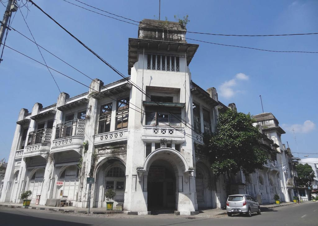 48 Case study 3: Medan s Warenhuis in Medan When I visited Medan in 2014, a local architect asked me whether
