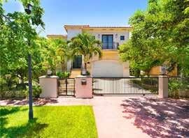 MIAMI BEACH SINgle family homes 132 180 FEATURED PROPERTY # of sales 83 55 34% Average Price $2,996,868 $2,738,886 9% 6034 PINE TREE DR, MIAMI BEACH,