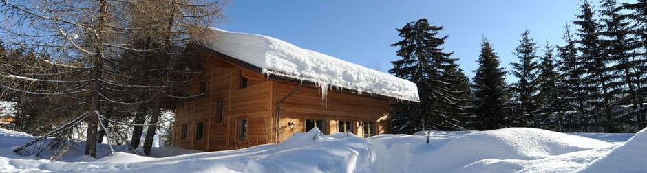 FACTS CHALET RASPILLE CRANS-MONTANA, SWITZERLAND Sleeps: 10 guests Prices: upon request Bedrooms: 5 SERVICES Beds ready for arrival All linen, utilities, and firewood Mid-Week cleaning End of stay