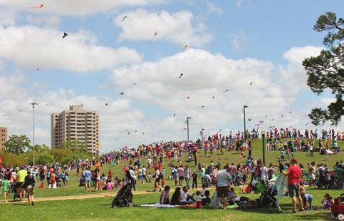 SPRING 2015 PARKSIDE H E R M A N N P A R K C O N S E R V A N C Y N E W S L E T T E R 1&3 Hermann Park Kite Festival 2 From the Executive Director 4 5 Hats in the Park 6 Third Annual Dog Walk 7