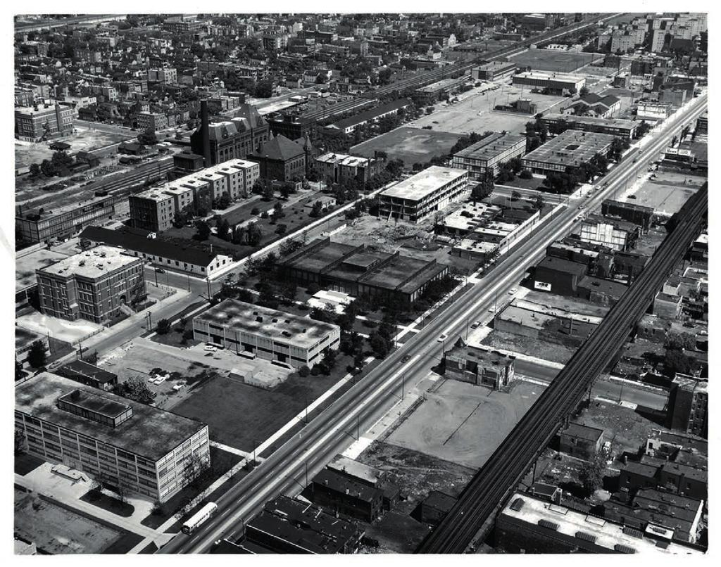 URBAN SCALE AND CLEAR STRUCTURE, 1951-59 6.28 Aerial photograph of iit campus in 1957, as seen from southeast. original project.