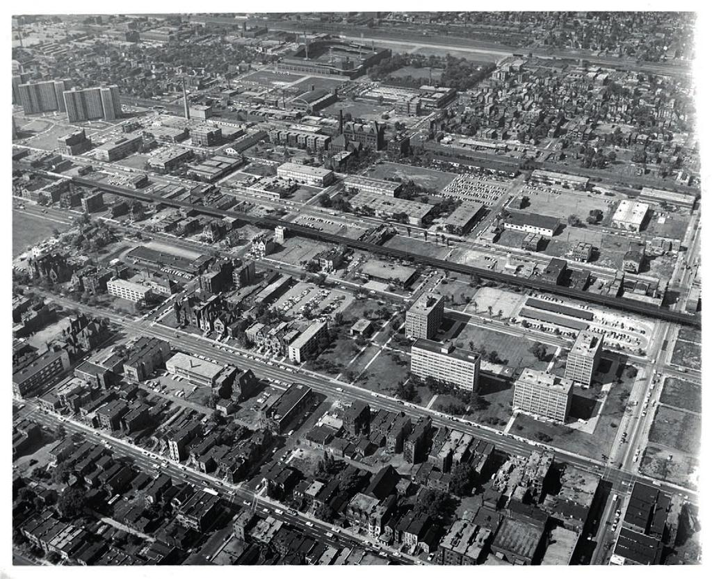 URBAN SCALE AND CLEAR STRUCTURE, 1951-59 6.31 Aerial photograph of iit campus in 1958, as seen from nw.