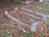 Edging, south: ALSO EDWIN HOOPER, DIED MARCH 16. 1923, AGED 72. Edging. U.JJ.