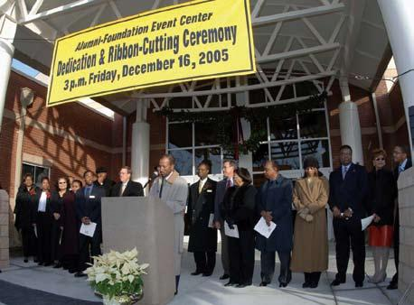18 NC A&T Chancellor s Report 2005-2006 NC A&T Chancellor s Report 2005-2006 19 Dina K Brown 01 Felicia D Brown 89 Haywood L Brown 74 Jane S Brown 86 Johnnie E Brown 74 * Mary M Brown Patrice M Brown