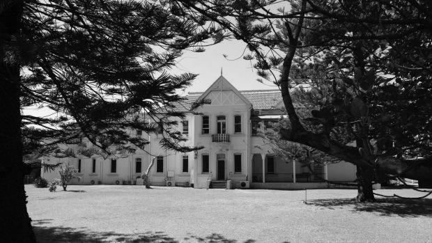 By 1921 the Scarborough Red Cross Home became the property of Dr Barnardos Homes. Thousands of orphaned or abandoned boys came from England to make a new start in Australia.