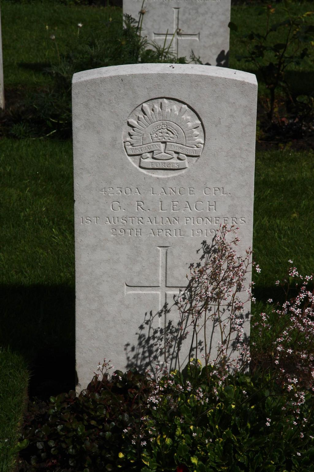 Photo of Lance Corporal G. R. Leach s CWGC headstone in St.