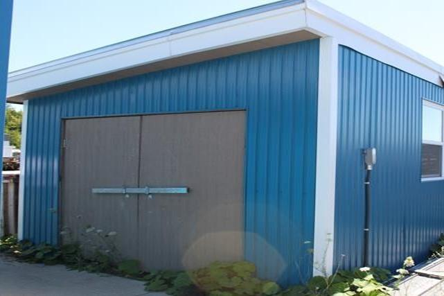 BUILDING OVERVIEW - BUILDING 3 Building Type: Building Size: Structure: Existing storage shed 288 square feet Wood frame Year Built: 2013 Exterior: Interior: Roof Type: Loading Type: Heating &