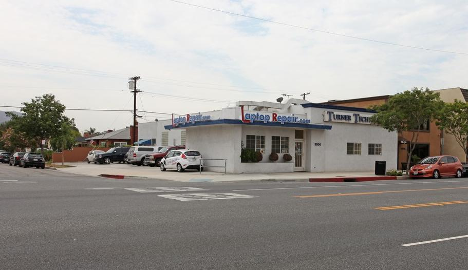 RECENT SALES RECENT SALES 3 3200 West Burbank Boulevard Burbank, CA 91505 Close of Escrow: 1/3/2013 Year Built: 1956 Gross Leasable Area (GLA): 3,670 SF Sale Price: $700,000 Percent Down: CAP Rate: