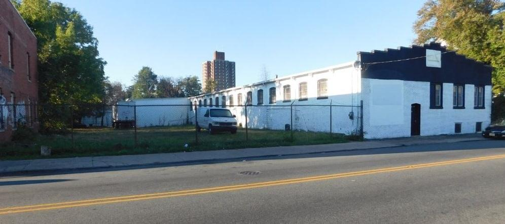 Industrial Space For Sale or Lease Paterson, NJ Ÿ Location: Ÿ Building: Ÿ Available: Ÿ Purchase Price: Ÿ Rental Rate: 188 Lafayette Avenue Paterson, NJ Block 3202, Lots 7, 8, and 68 Single story