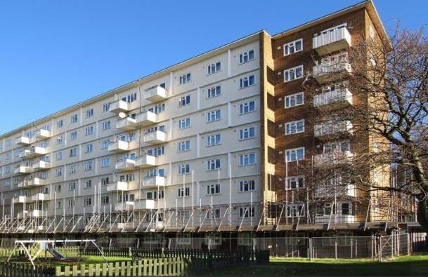 equalling 712 per sq ft (middle) Two bedroom apartment in Brixton located