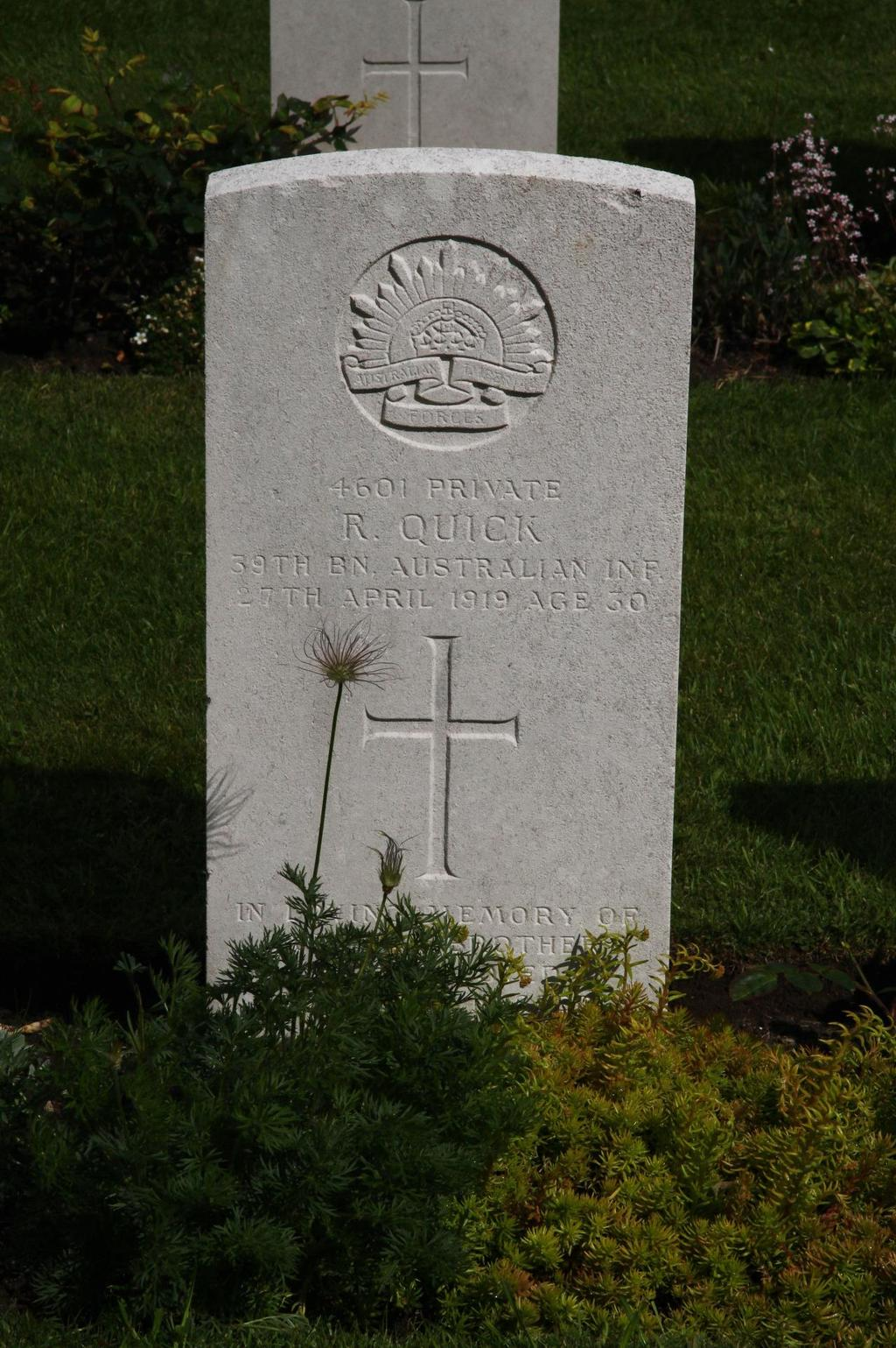 Photo of Private R. Quick s CWGC headstone in St.