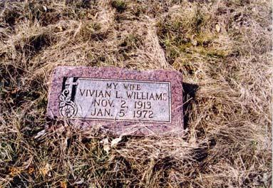 Willa Mae; born 14 Apr 1909; died 15 Aug 1977 White, Ed; metal marker Williams, John Leonard; born 02 Jun 1891;