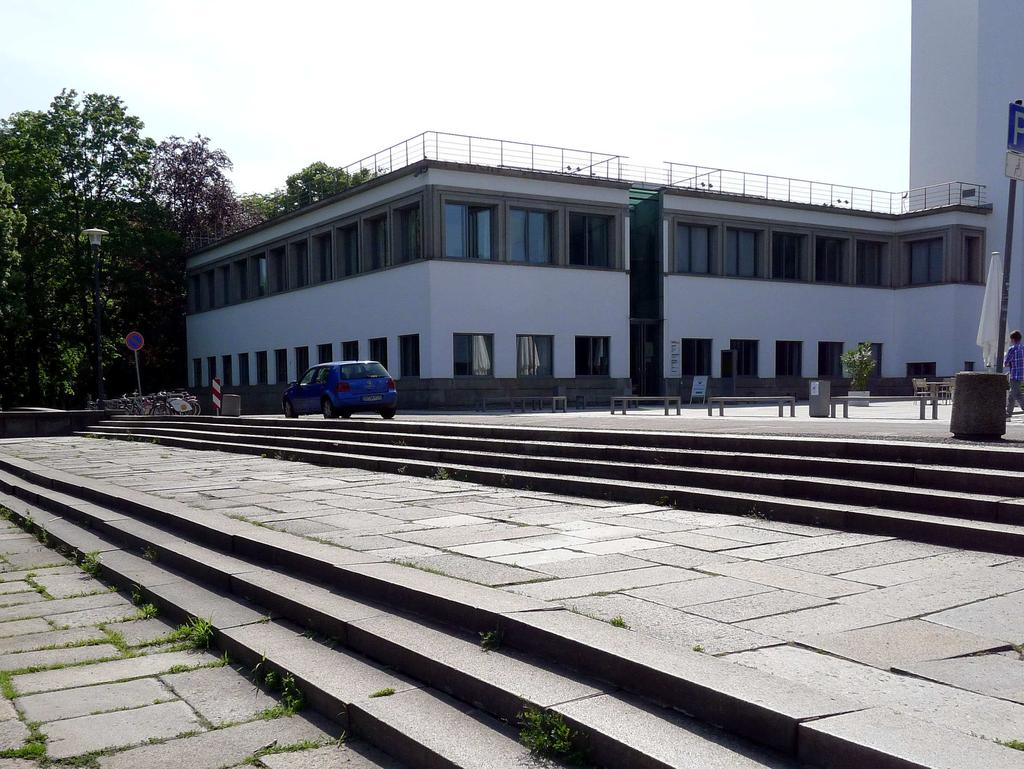 source: Deutsches Hygiene-Museum Picture 10: Southern frontal building with