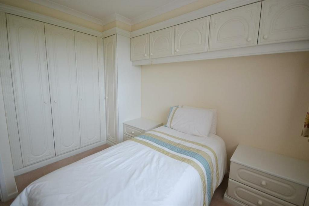 dressing table, wardrobes and overbed cupboards, four way ceiling spotlight.