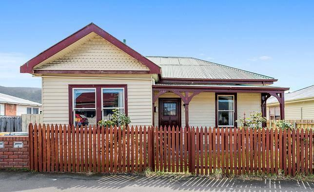 Tony Collidge PRDnationwide Hobart / REIT President Change from Last Year Half Year House Sales MARKET CONDITIONS The Glenorchy property market recorded a median house price of $281, and $189, for