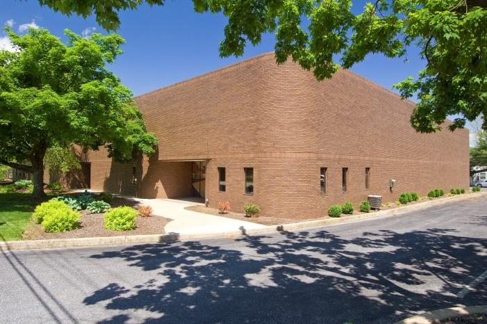 For Lease 717.293.4477 Greenfield Corporate Center 1905 Olde Homestead Lane Suite 101 Available Square Feet 10,000 square feet Lease Rate $7.