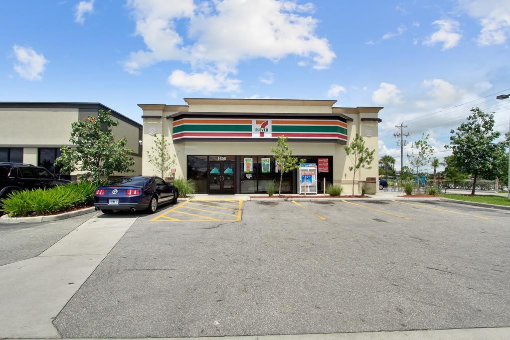 SECTION Property Description PROPERTY OVERVIEW Keyes Commercial is pleased to offer for sale a freestanding, fee simple, 7-Eleven located at 1606 Skyline Boulevard, Lee County, Cape Coral, FL 33991.