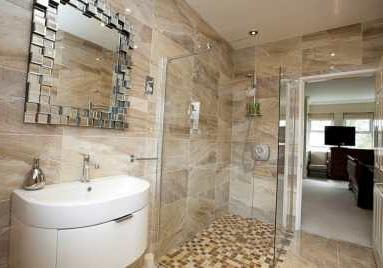 En Suite Wet Room Approx 9'10 x 6'9 (Approx 3.00m x 2.