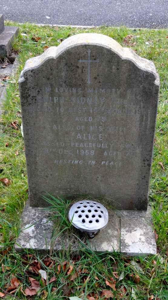 TROKE DIED 14 TH DECEMBER 1932 AGED 71 BESSIE TROKE DIED 7