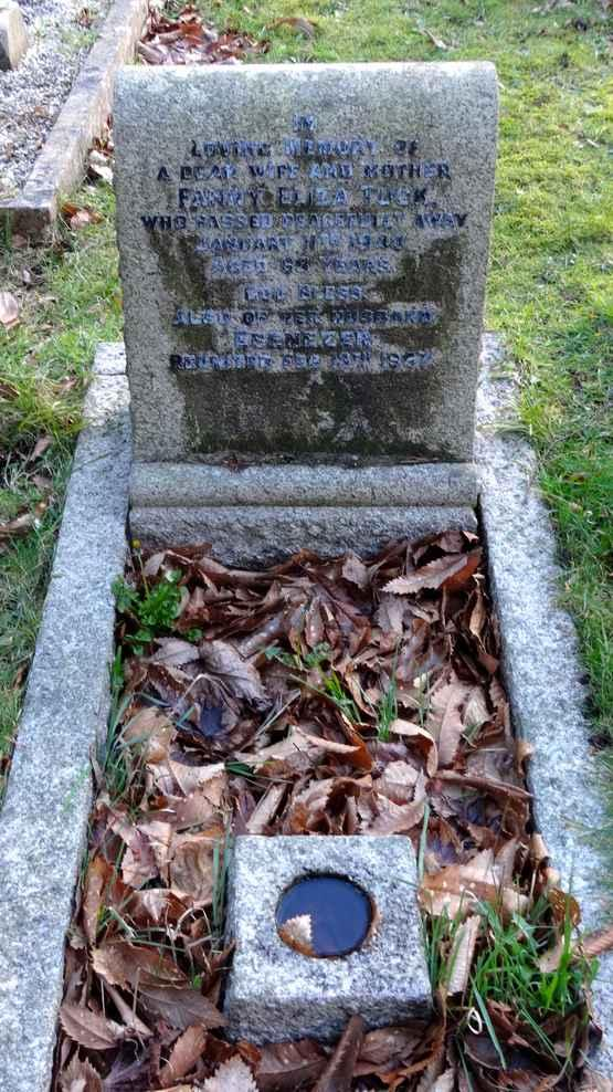 10/118 KATHLEEN TUCK DIED 16 TH JULY 1954