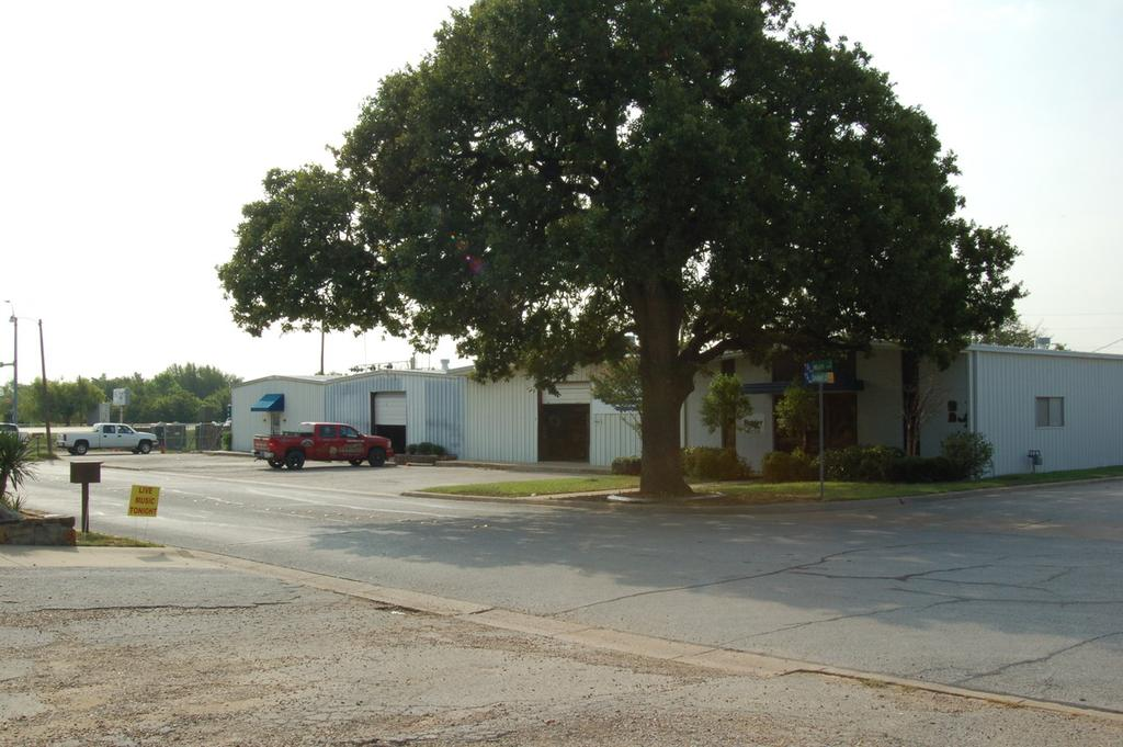 (1200-2500 sq ft) Adjacent/joining workshop, warehouse space for materials