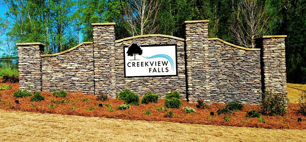 CREEKVIEW FALLS Canton, Georgia NEW HOMES From the $600s ESTATE HOME SITES Ranch &