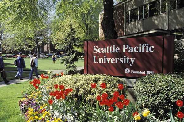 Home to 25 beautifully maintained city parks Home to the private Seattle Pacific University on the north slope