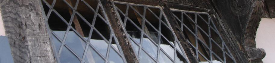 A nice detail in the woodwork is shown left:- an angled cut or scotch shows where