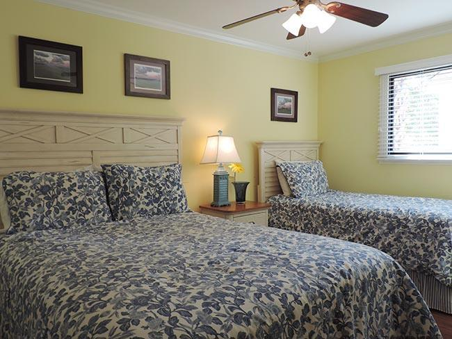 Loft: Large with Queen Bed and Twin Bed Large Living Area Deck