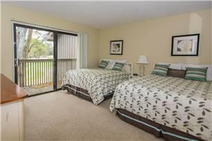 Close to the beach and tennis centre Master Bedroom King Bed Second Bedroom: