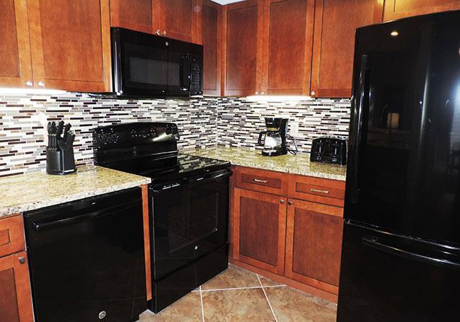 Large Living Area Granite Counter Top Spiral Staircase