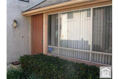 Addr: 3346 Elm 28, Long Beach OP: $199,000 LP: $225,000 SP: $215,000 LD: 10/31/2009 SD: 04/26/2010 YBlt: 1979 P709457 977 $220.06 1,485 99 Property Description: Light And Airy Townhouse-Style Condo.