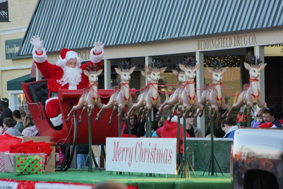 Christmas Parade Today Christmas parade in recent years has reached up to 115 entries Featuring local businesses, important people, churches, civic organizations,