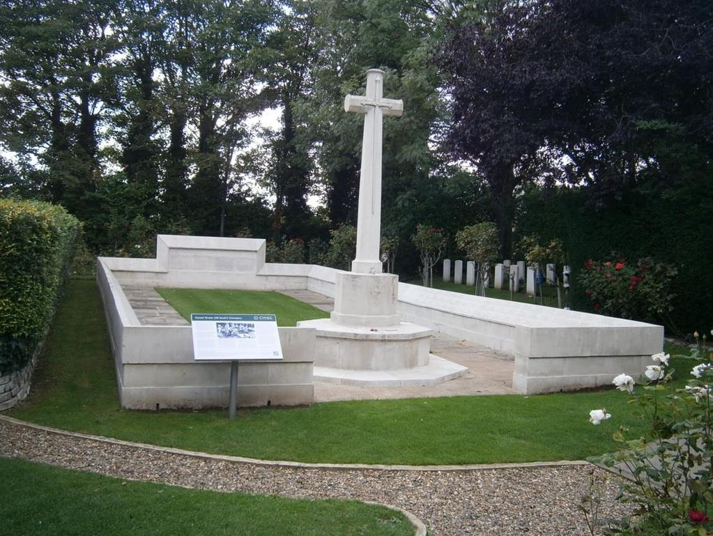 Cross of Sacrifice & the WW1 Screen Wall area in the Crematorium Memorial Garden - All Souls Cemetery, Kensal Green